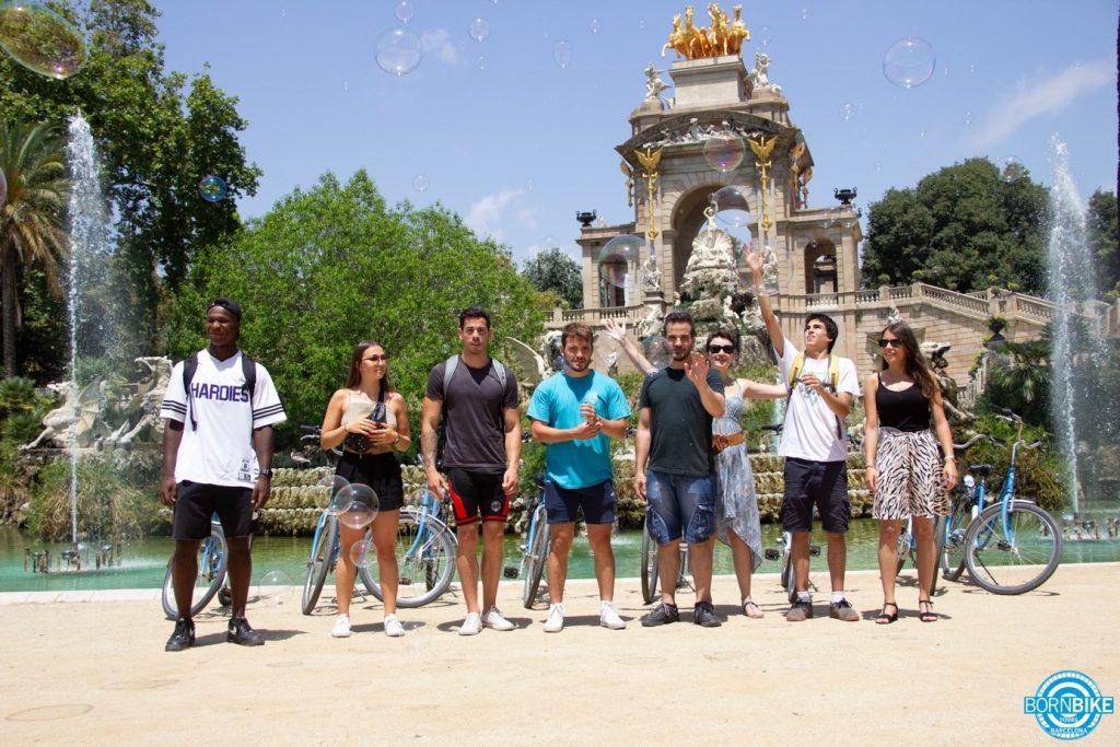 una imagen de un parque, naturaleza, gente, Born Bike tours Barcelona