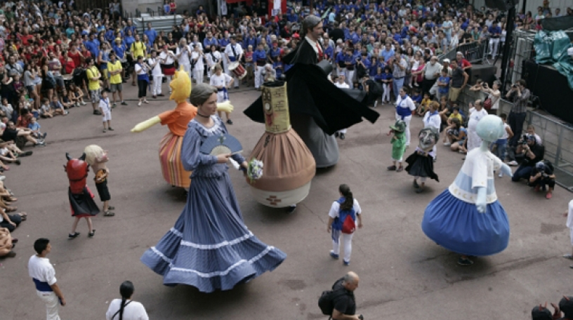 processions of giants during the festival de gracia in barcelona