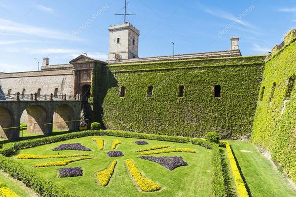 chateau de montjuic culture tourime art barcelona musée